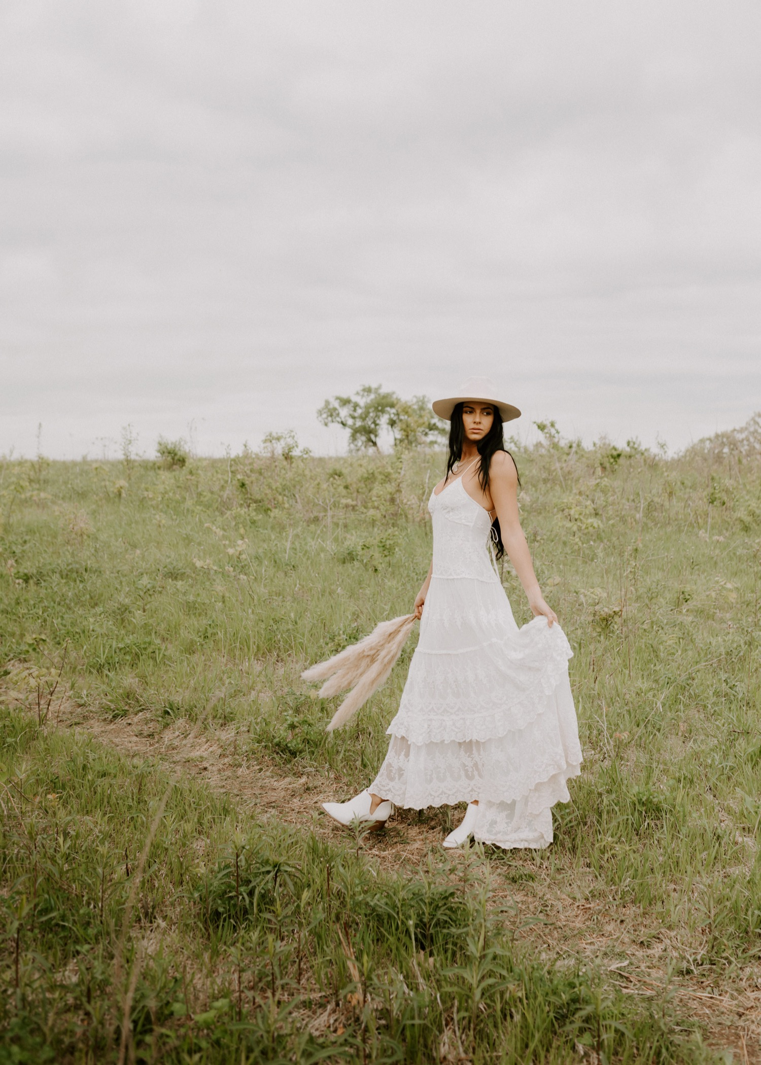 Boho Bride Pampas Grass Savannah Madison Delaney Photography