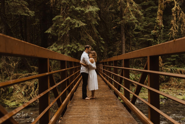 https://content1.getnarrativeapp.com/static/8c4d0432-448f-443f-975f-3fa59c0a0971/olympic-National-park-la-push-engagement-photos-lake-Crescent-Washington-photographer.?w=1500