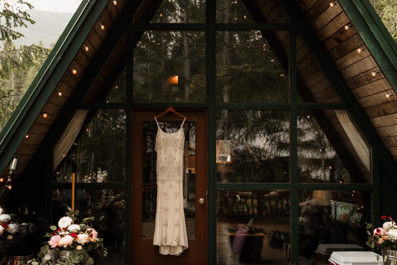 PNW A-Frame Cabin Elopement