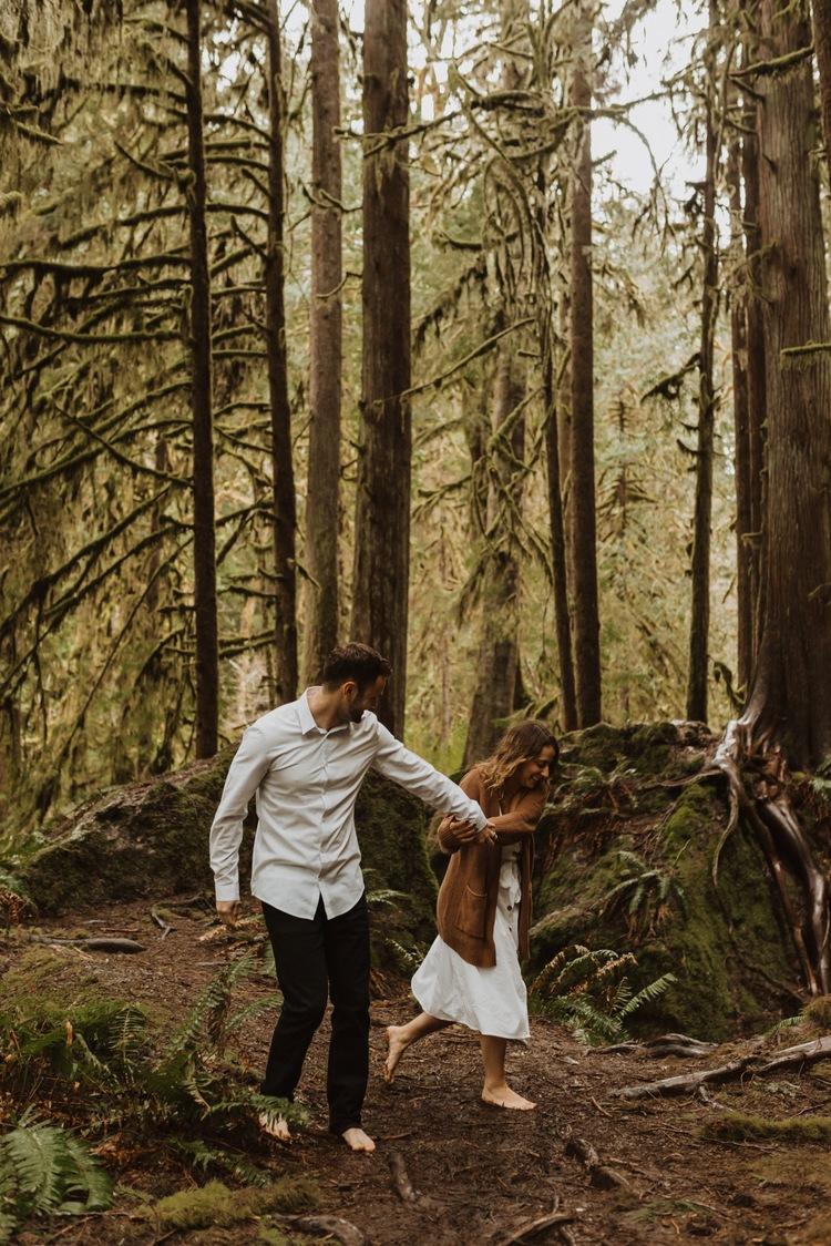 https://content1.getnarrativeapp.com/static/95667380-3b62-4a42-9ff5-7b4d198dd5a8/olympic-National-park-la-push-engagement-photos-lake-Crescent-Washington-photographer.?w=750