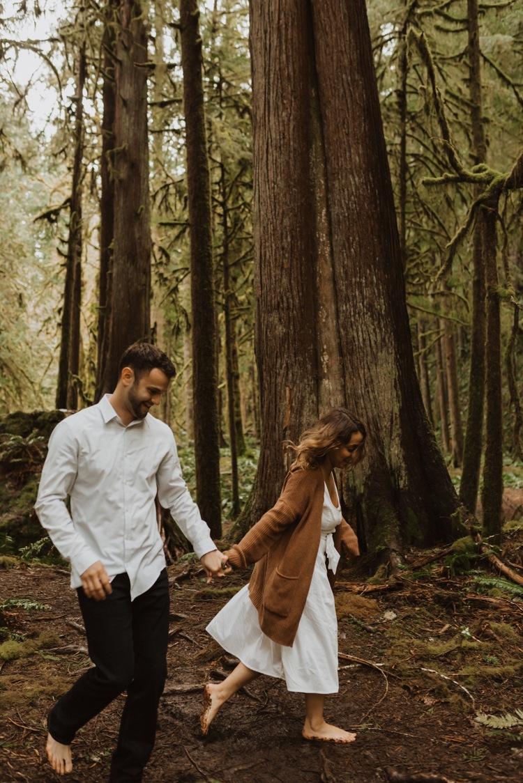 https://content1.getnarrativeapp.com/static/a399b416-b671-49a4-8e9e-7f1651af4059/olympic-National-park-la-push-engagement-photos-lake-Crescent-Washington-photographer.?w=750