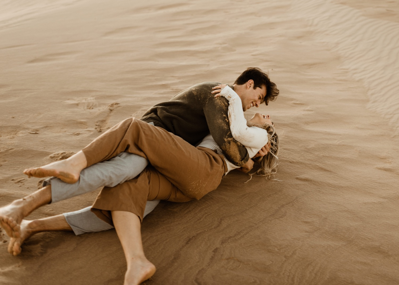 https://content1.getnarrativeapp.com/static/e83e4f32-0b61-47ae-8774-3402daa70025/glamis-Sand-dunes-San-diego-engagement-photos-adventurous-engagement-photos-death-valley-engagement-photos.jpg